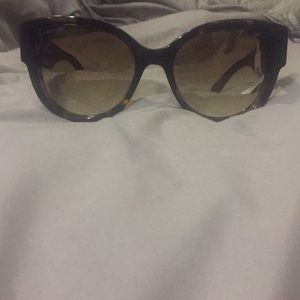 Jimmy Choo Pollies Sunglasses. NWT. Case included